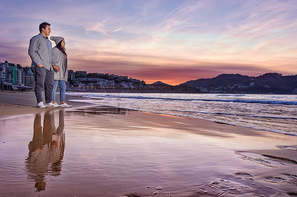 san-sebastian-playa-atardecer-reflejo